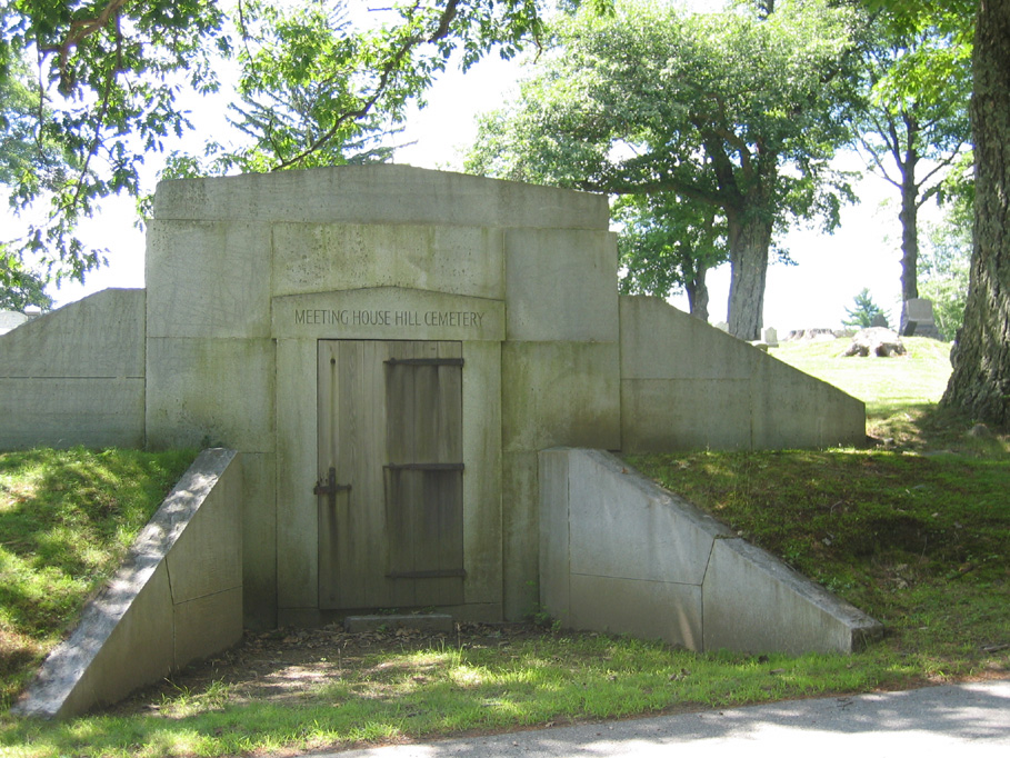 Meeting House Hill Cemetery Mausoleum